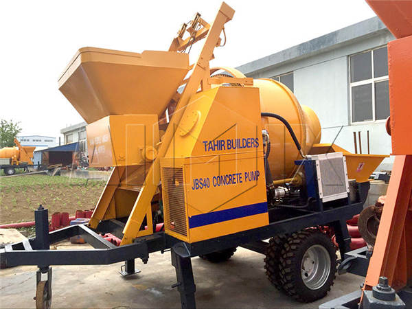 JBS40-Mobile-concrete-mixer-with-pump